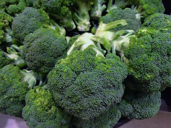 Crema de brócoli con semillas de calabaza